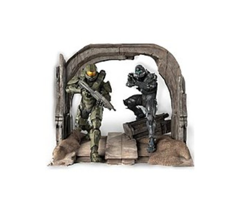 Microsoft CV4-00004 Halo 5 Limited Collector's Edition - First Person Shooter For Xbox One - Commemorative Statue of the Master Chief and Spartan Lock